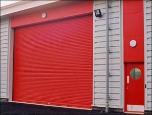 roller shutter (red)